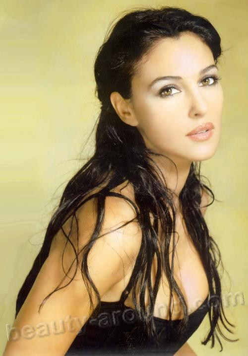 Monica Anna Maria Bellucci beautiful Italian Hollywood actress photos