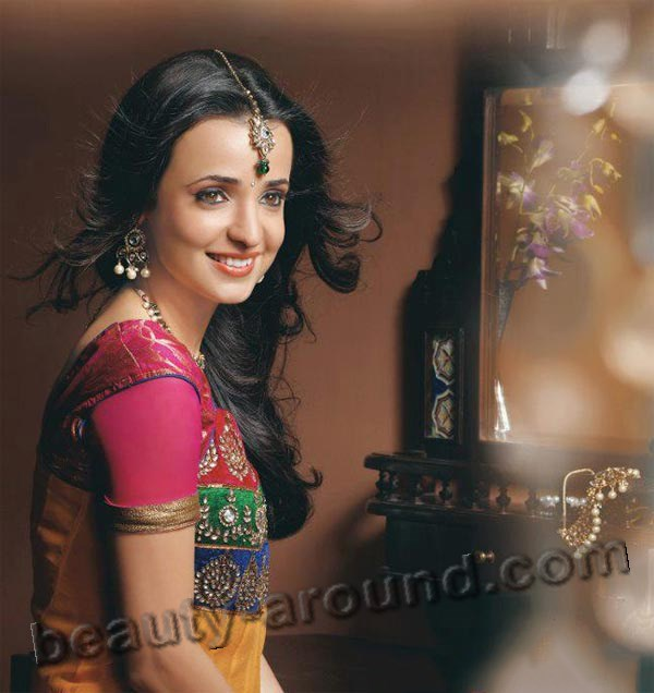 Sanaya Irani Hottest Actress In Indian Television photo
