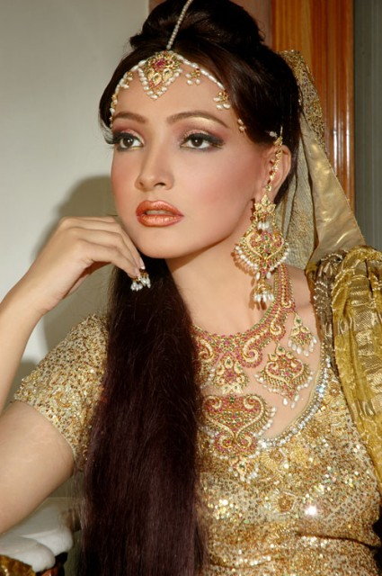 Jewelry and makeup of Indian women (Photos)