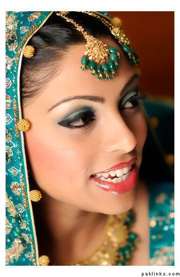 Jewelry and makeup of Indian women