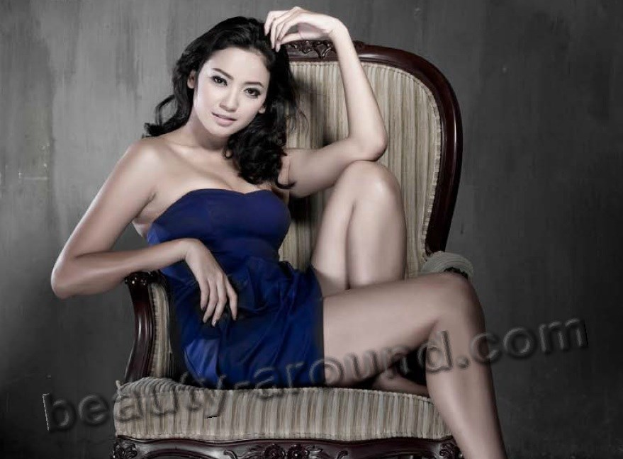 Agni Pratistha Arkadewi Kuswardono photo, winner of Puteri Indonesia (Miss Indonesia Universe) 2006, beautiful Indonesian women photos