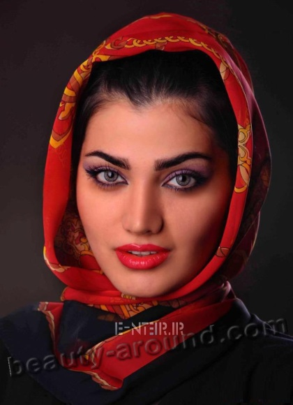 Nasim Fetrat is a beautiful iranian actress photo