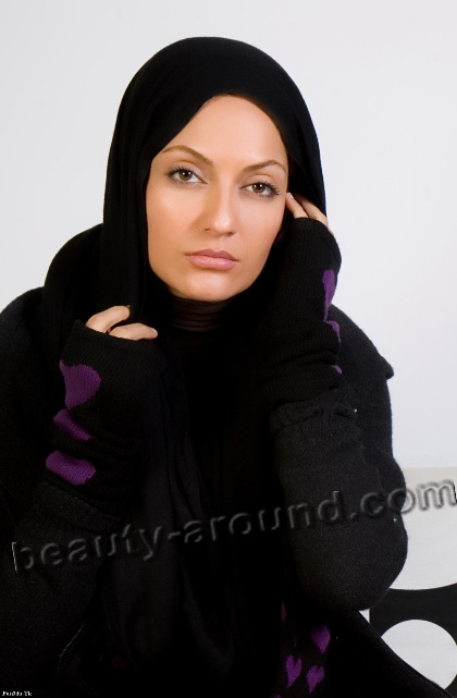 Beautiful Persian Girls Mahnaz Afshar Jadid in hijab photo