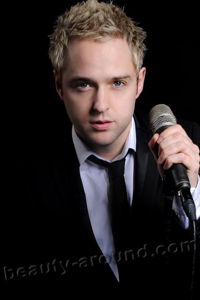Handsome Irish Men Derek Ryan country singer