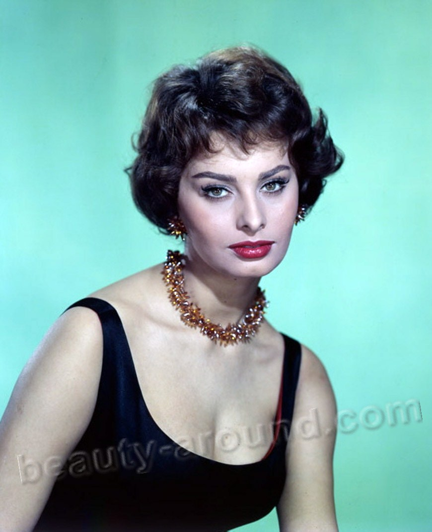 Beautiful Italian Women Sophia Loren Italian actress and singer photo