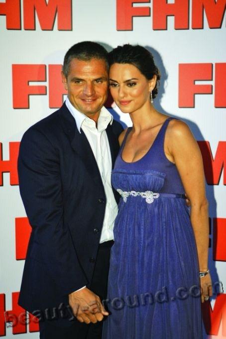 Катринель Менгия / Catrinel Menghia румынская модель, фото с мужем Массимо Брамбати / Massimo Brambati