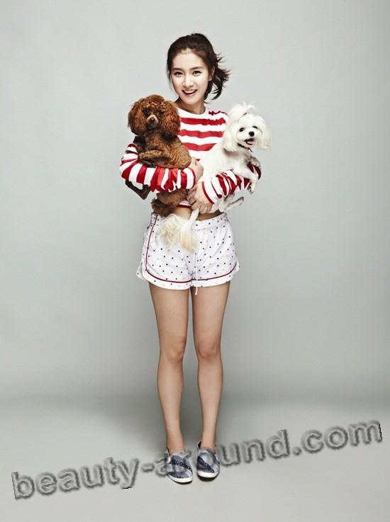 Ким Со Ын с собаками на фото