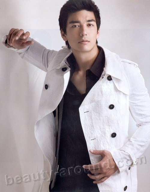 Dennis Oh actor and model in South Korea photo