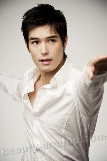 Ricky Lee Neely  South Korean Actor and model photo