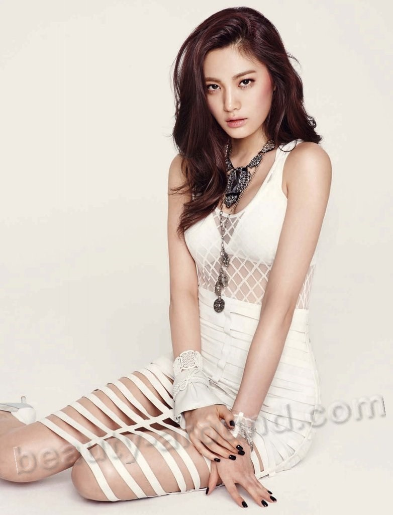 Im Nana Korean female model pic