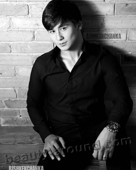 Kumar Sagynov Kyrgyz singer picture