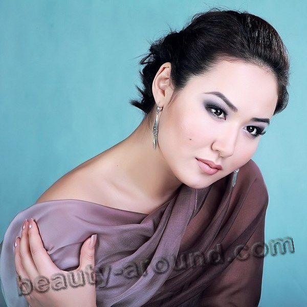 Baktygul Badyeva beautiful Kyrgyzstan singer photo