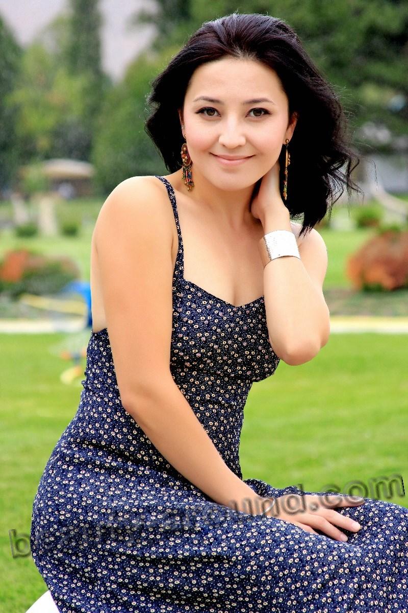 Asema Toktoboeva Kyrgyzstan actress picture
