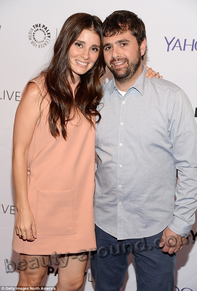 Shiri Appleby and John Shuk photo