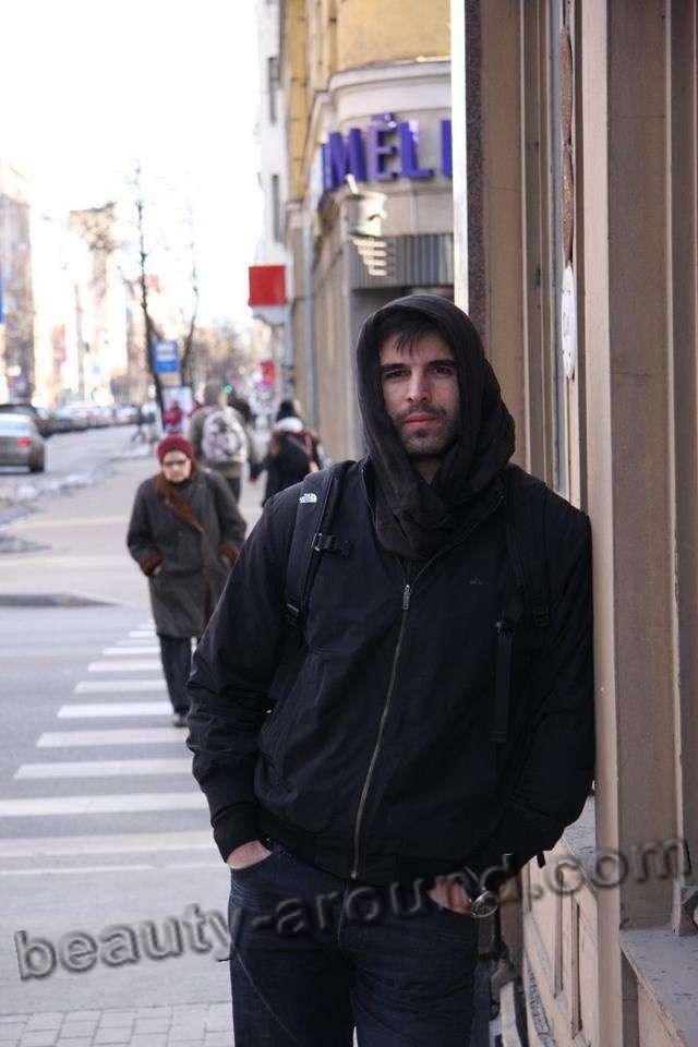 Мехмет Акиф Алакурт в жизни фото