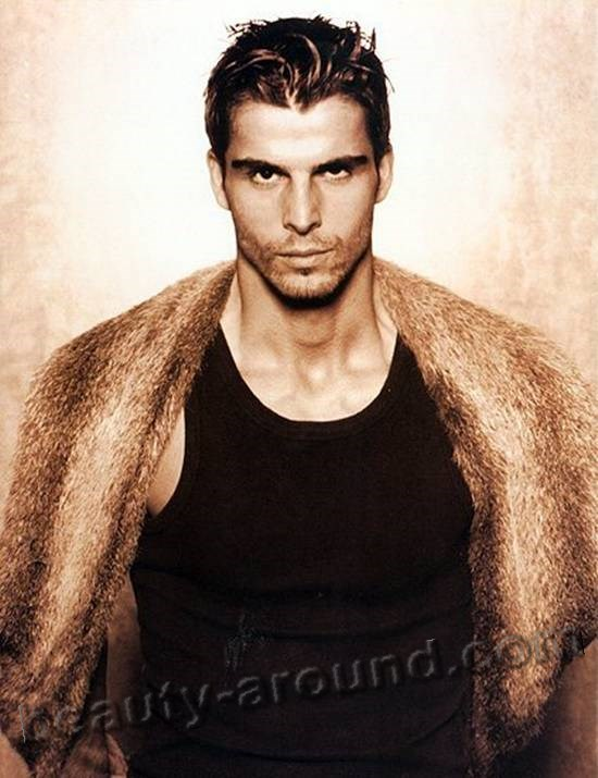 Mehmet Akif Alakurt beautiful model photo