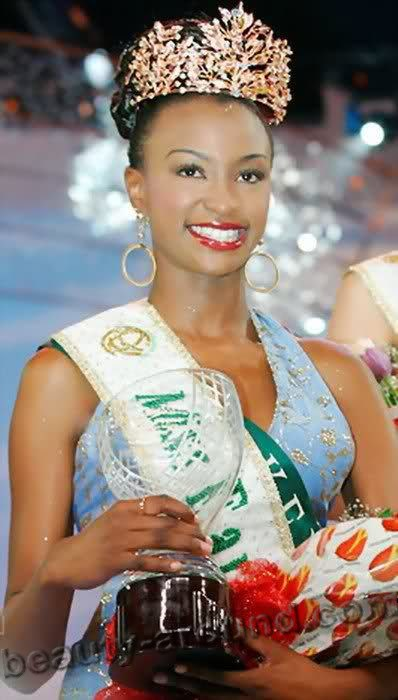 Miss Earth 2002 Winfred Omwakwe (Kenya) photo