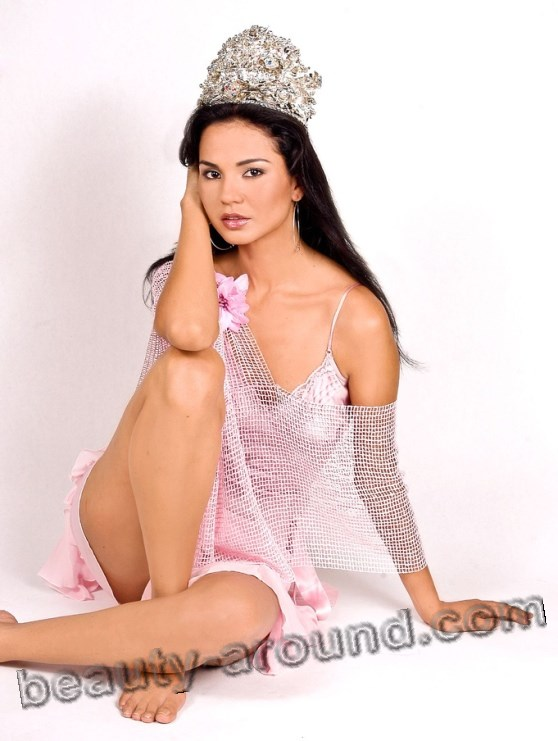 Miss Earth 2003 - Dania Prince (Honduras) photo