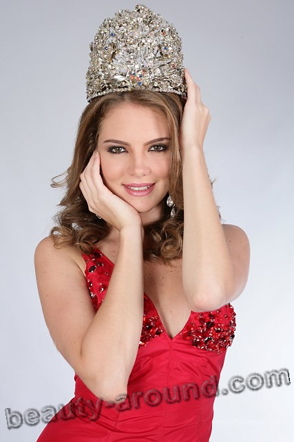 Miss Earth 2005 - Alexandra Braun (Venezuela) photo