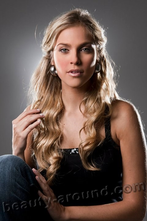 Miss International 2006  Daniela di Giacomo  (Venezuela) photo