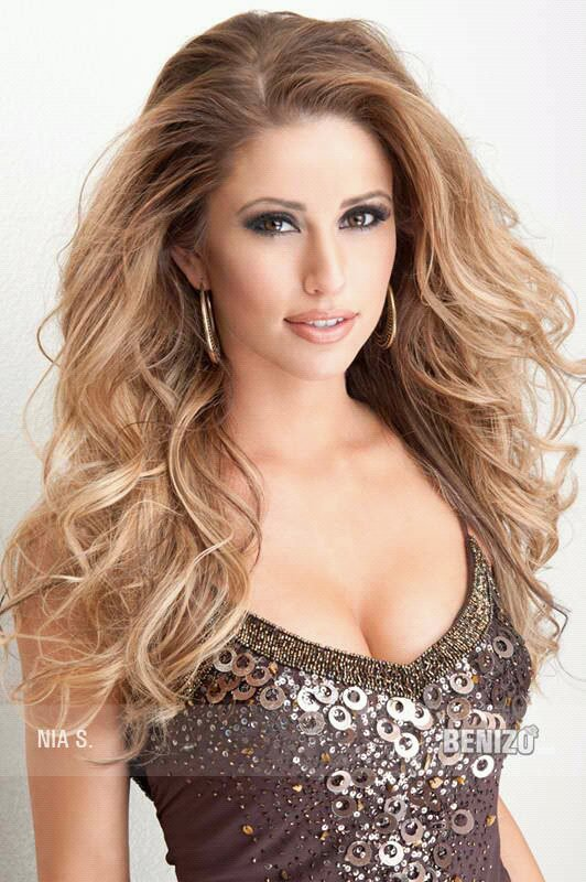 Nia Sanchez nice girl photo