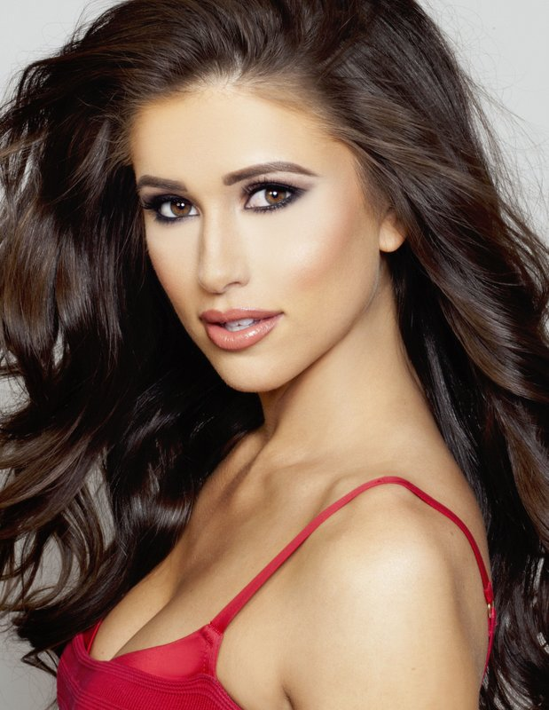 Qween of Miss USA 2014 photo of Nia Sanchez