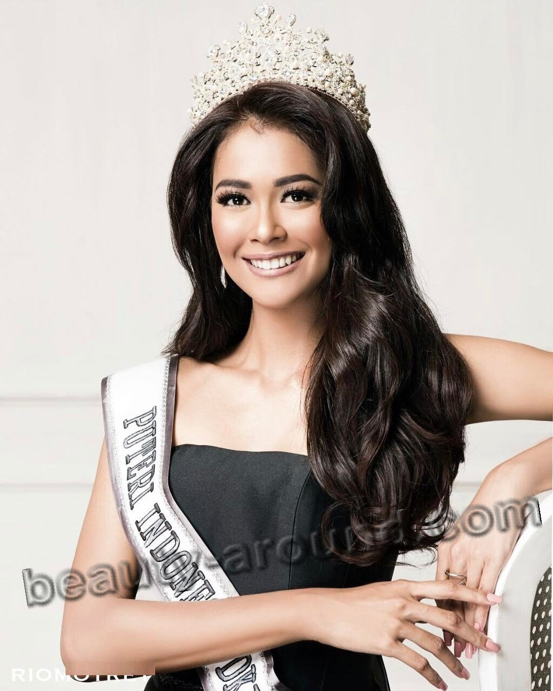 Miss Indonesia 2017 Bunga Jelitha photo