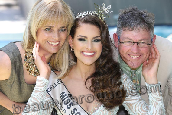 Winner of the Miss World 2014 Rolene Strauss with his parents