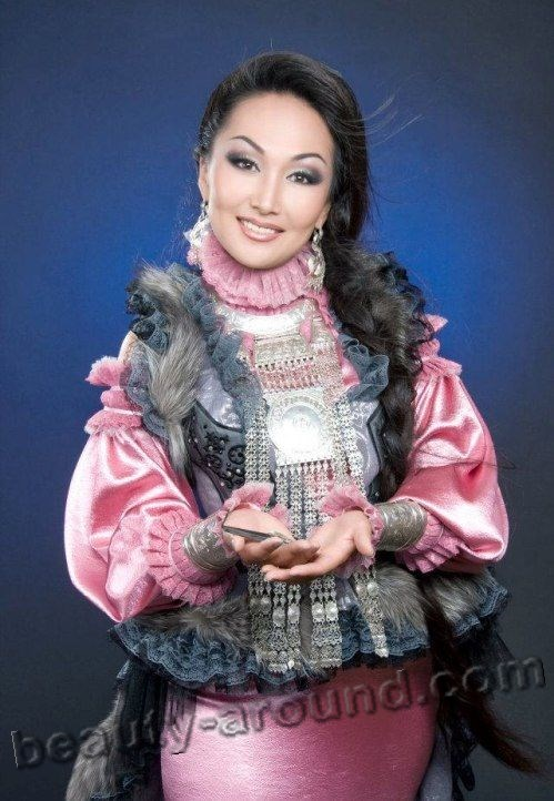 Yuliana Krivoshapkina master of the Yakut musical instrument khomus