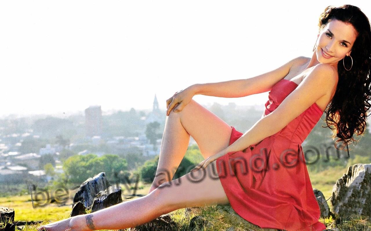 Наталья Орейро в красном платье фото