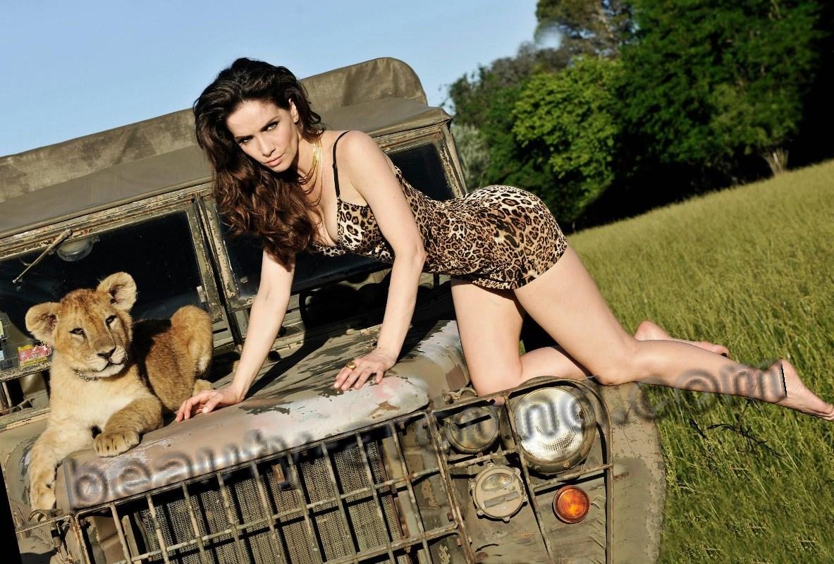 Актриса и модель Наталья Орейро с дикими животными фото