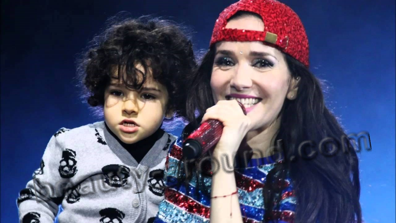 Natalia Oreiro with son