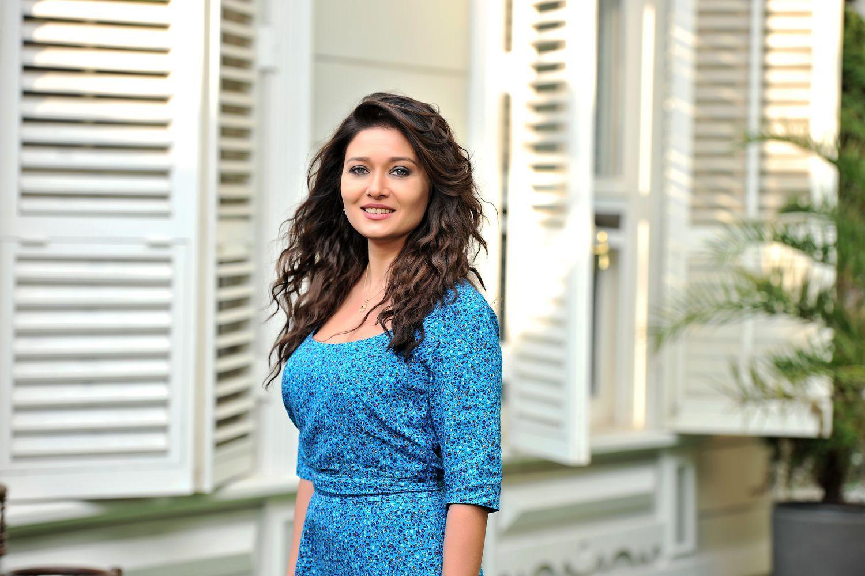 Нургюль Ешилчай популярная турецкая актриса фото