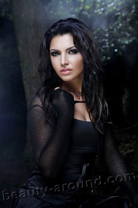 Eva Mali Ossetian opera singer soprano photo