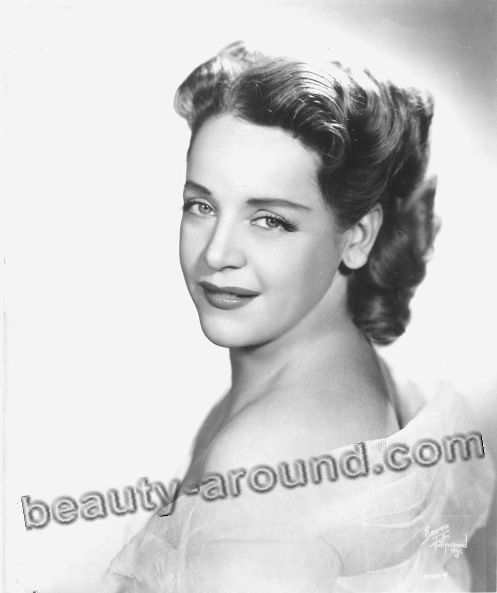 Eleanor Steber cute American operatic soprano photo