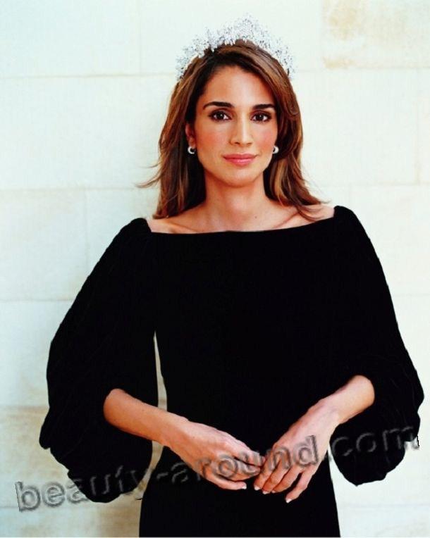Queen Rania beautiful Palestinian woman photo