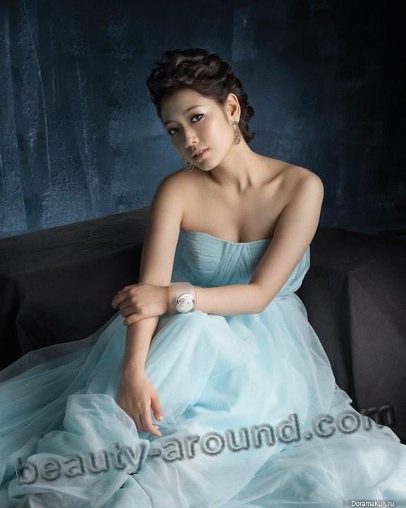 Пак Шин Хе в вечернем платье фото