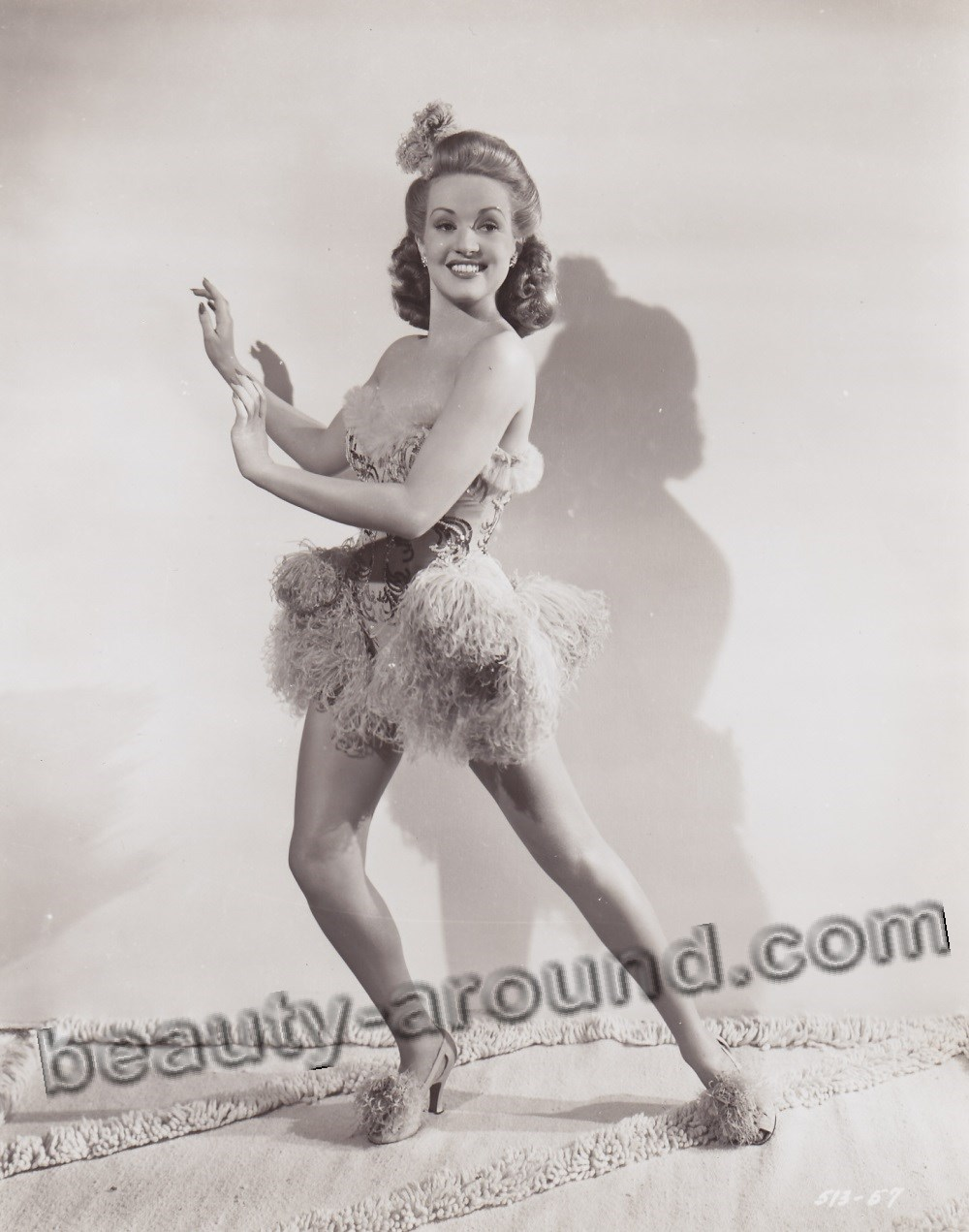 Sexy Celebrity Pin-Up Betty Grable photo