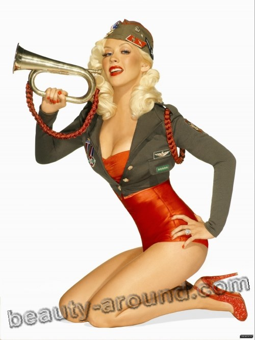 Christina Aguilera sexy Pin-up girl photo