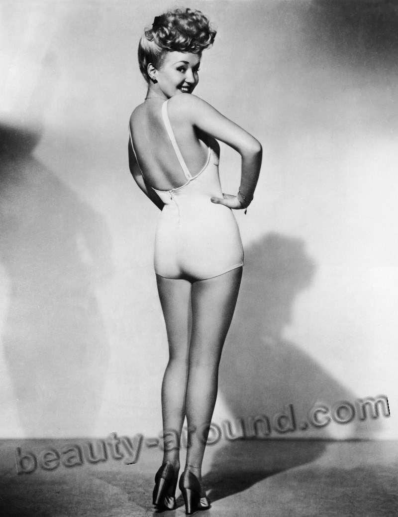 Betty Grable Hottest Pin-up girl photo
