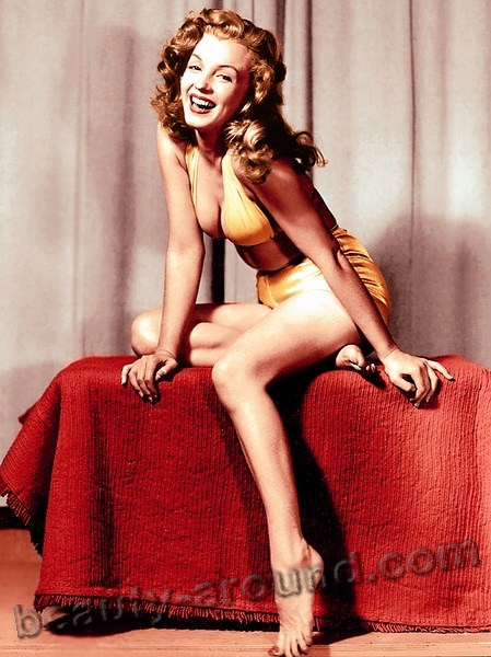 Pin up girl Marilyn Monroe photo