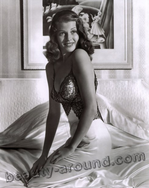 Rita Hayworth sexy pin-up girls photo