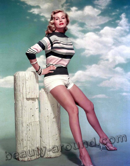Anita Ekberg hottest pin up photo