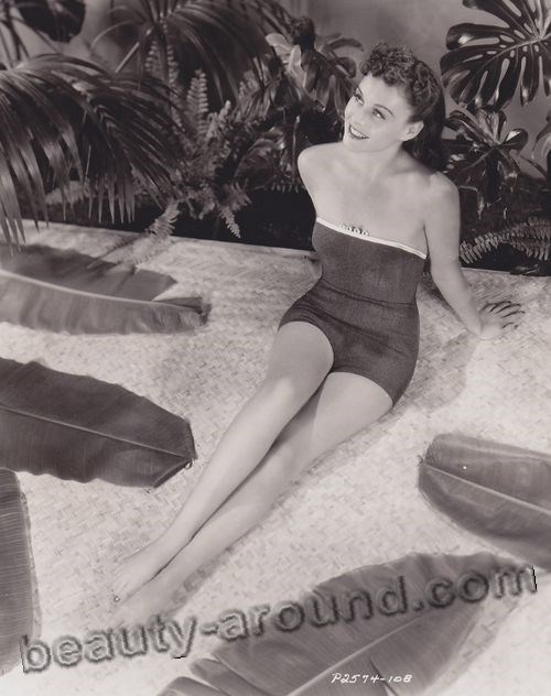 Paulette Goddard hottest photos