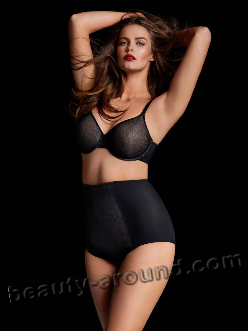 Robyn Lawley in sexy black lingery plus size photo