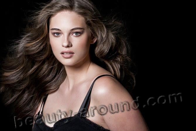 Jennie Runk American plus-size model lingery photo