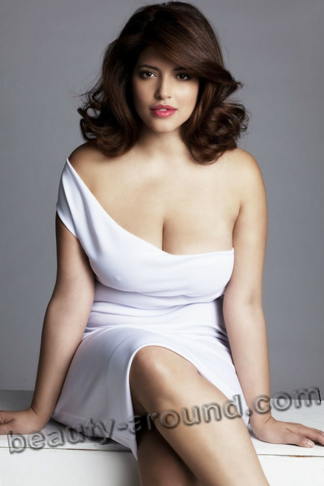 Denise Bidot beautiful international plus-size model photo