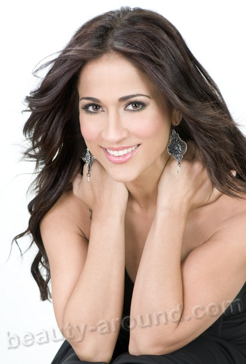 Beautiful Puerto Rican women, Jackie Guerrido Puerto Rican journalist and presenter of the weather forecast