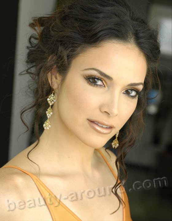 Beautiful Puerto Rican women, Denise Quinones Puerto Rican actress and Miss Universe 2001