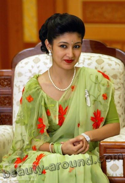 Himani Shah Beautiful and Stylish Royal Women in the World photo